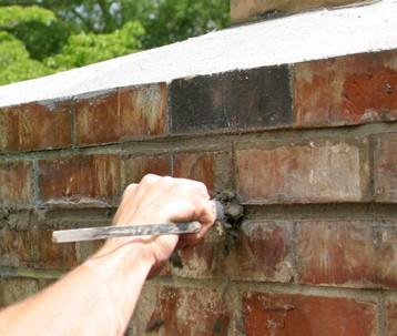 Tuck Pointing -Crack Repairs